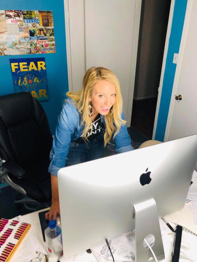Woman teaching business coaching for artists